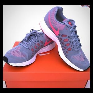 NEW! Nike Pegasus 31 Gray & Coral